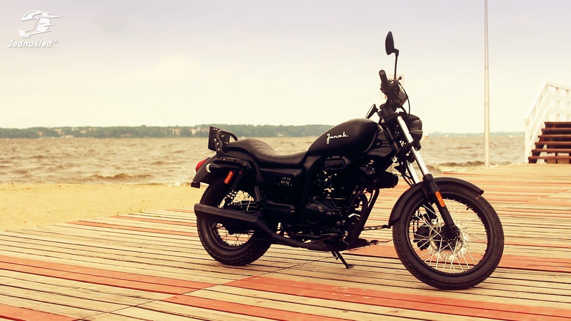 Motocykl: Nowy czy używany? Czy warto kupić Junaka M12 125 Vintage